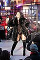 demi lovato new years eve performance 2016 10
