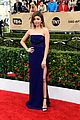 sarah hyland dominic sherwood 2016 sag awards 02