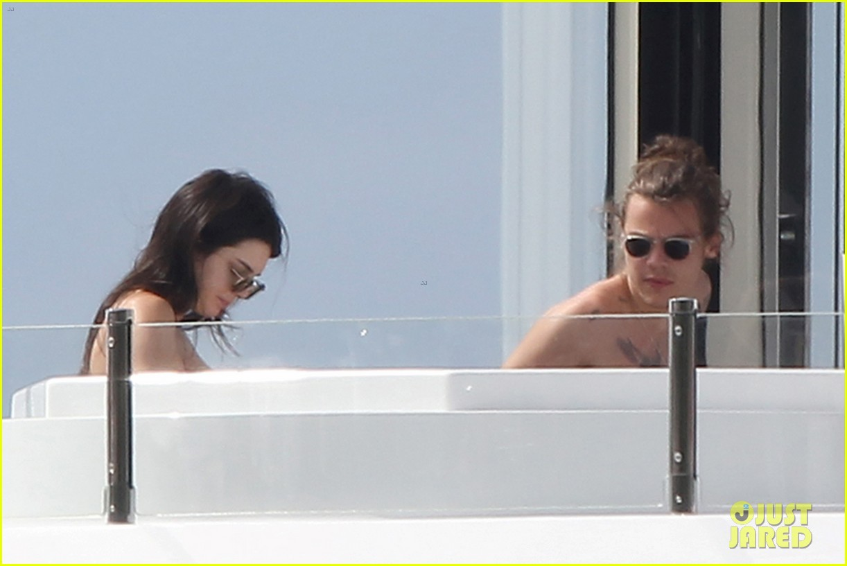 harry styles and kendall jenner - HD 1222×817