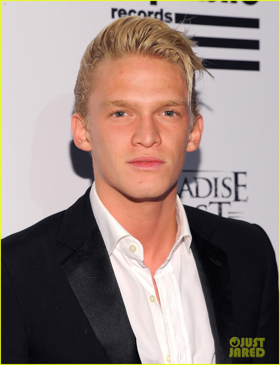 cody alli simpson 2016 grammys party 03