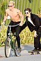 cody simpson shirtless bike ride venice 08