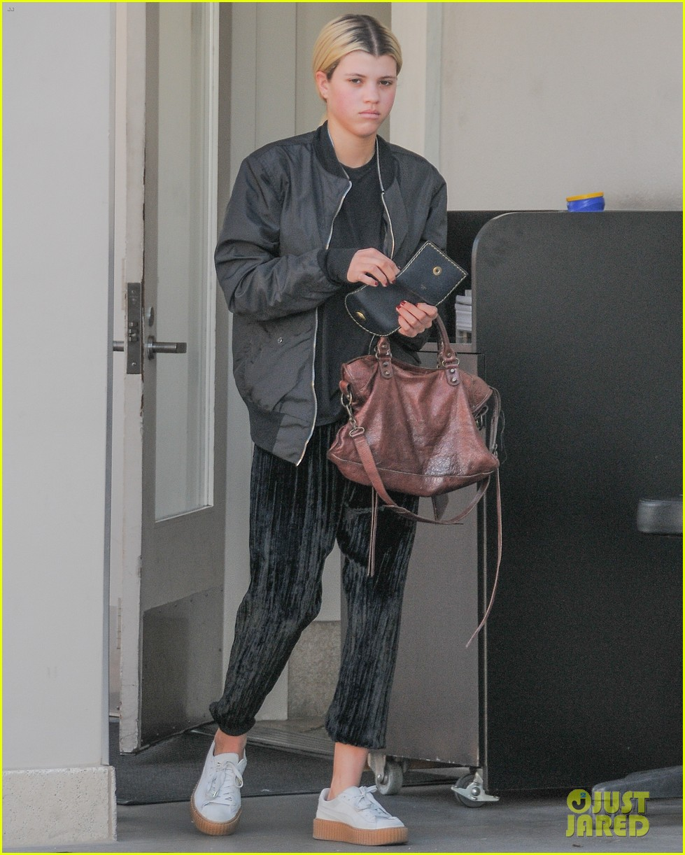 Sofia Richie Spends Her Weekend at the Pool!: Photo 942000