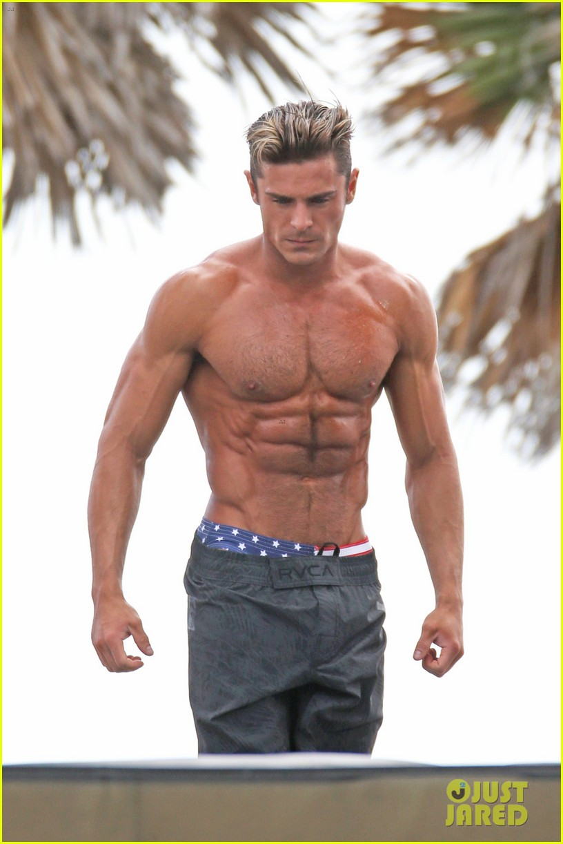 Zac Efron Puts His Chiseled Abs On Display For Baywatch Obstacle