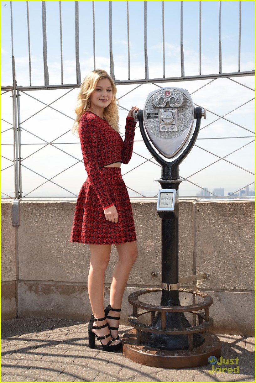 olivia holt empire state building stop 23