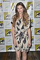 peyton list riley smith frequency 2016 comic con 17