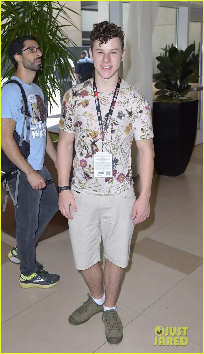 teen wolf stars power rangers more imdb yacht party comic con 15