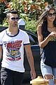 joe jonas grabs lunch with model pal juliana herz 04
