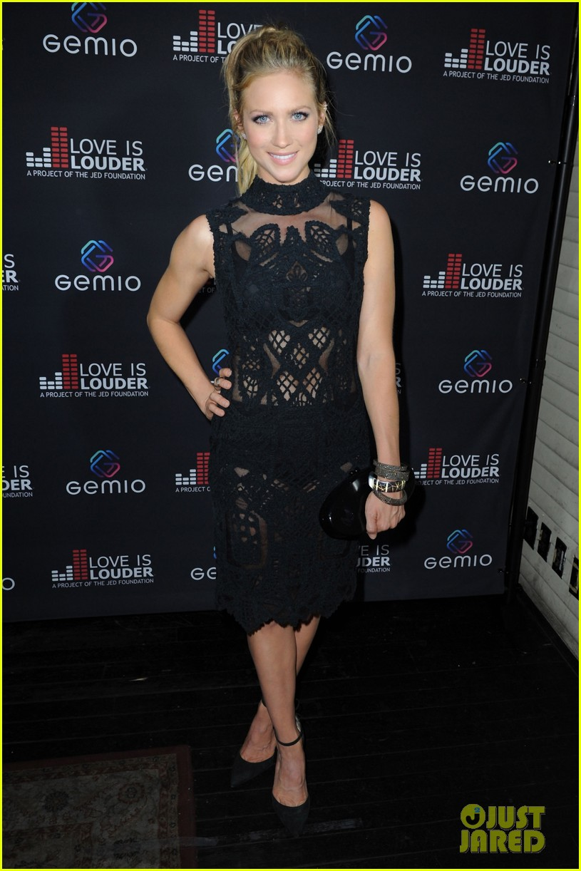 brittany snow celebrates gemio video release 08