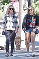 chloe moretz spends the day with her mom74321
