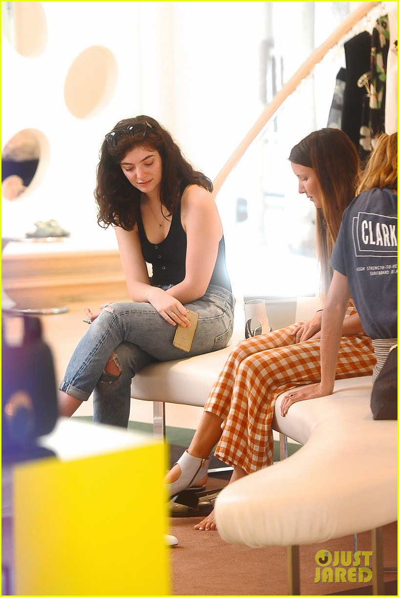 lorde marni shopping songwriting style broods 12