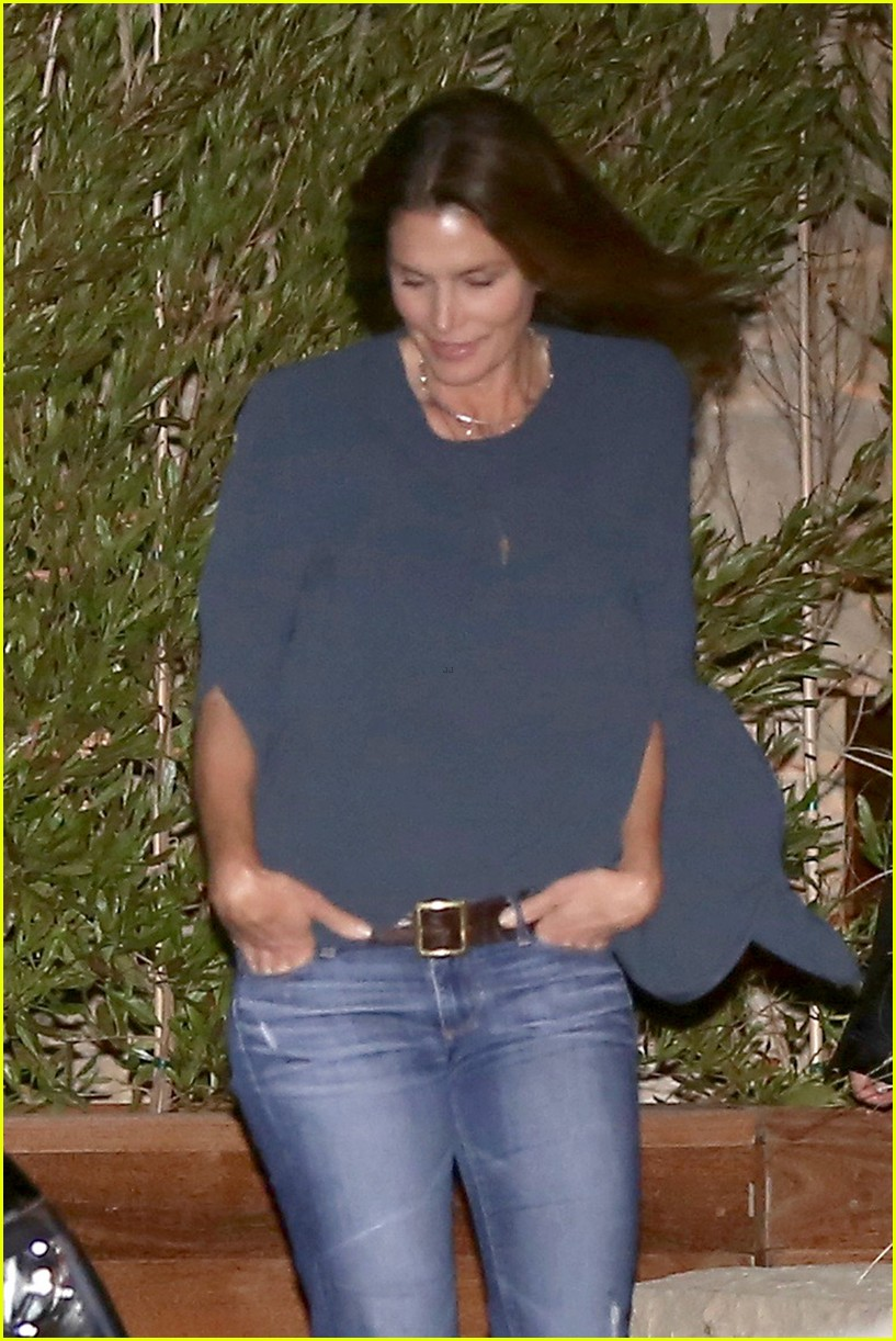 cindy crawford kaia gerber step out for family dinner 03