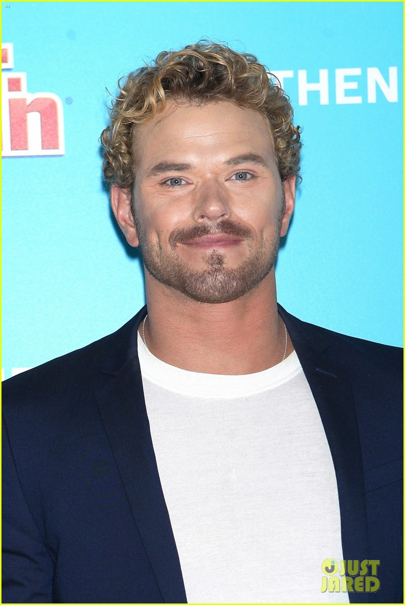 kellan lutz shows off his biceps while auditioning to be the next mr clean00710mytext