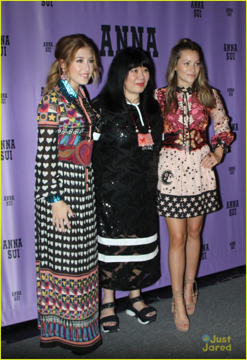 Emily Blunt (born 1983 (naturalized American citizen),Betty Farrington XXX clips Dasuri Choi (b. 1988),Amy Poehler