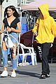madison beer factice magazine ripped jeans outing 02