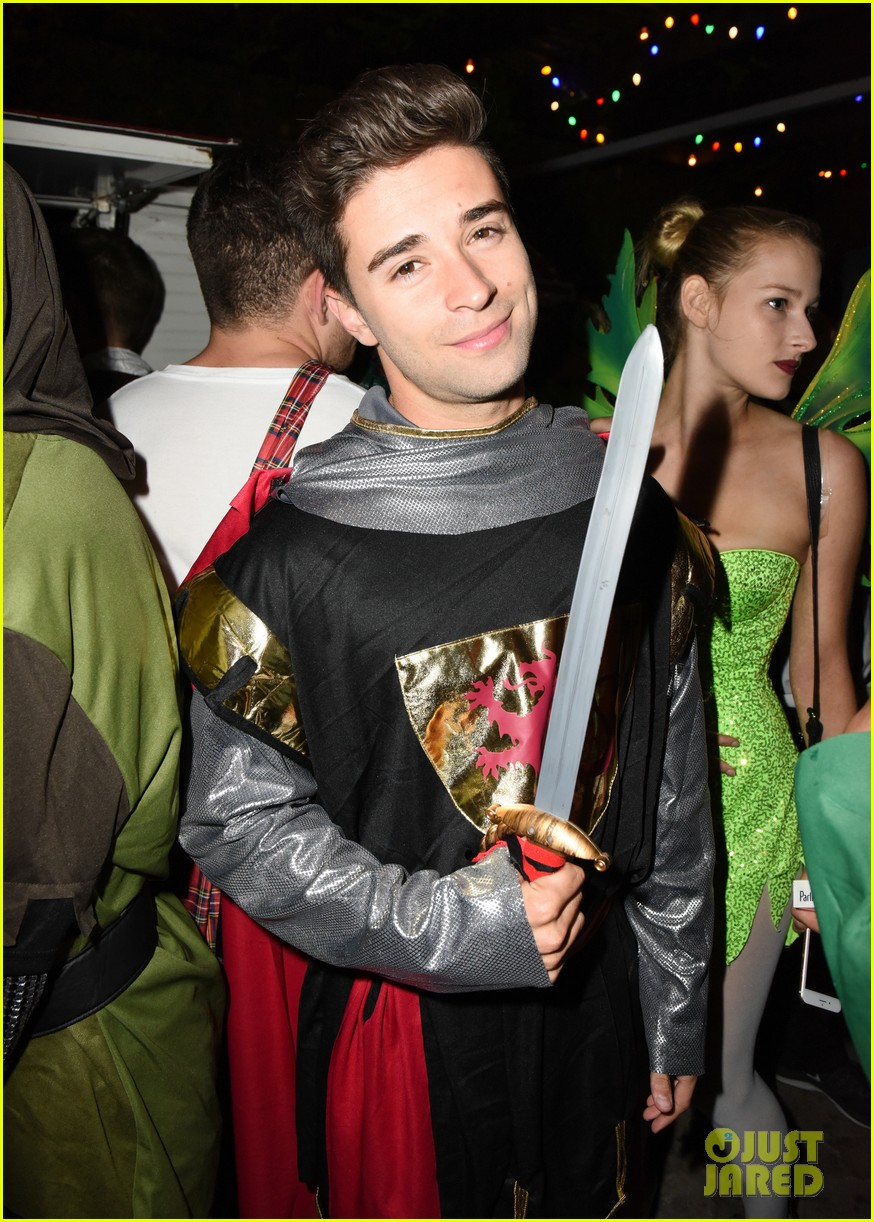ross lynch courtney eaton couple up at just jared halloween party 04