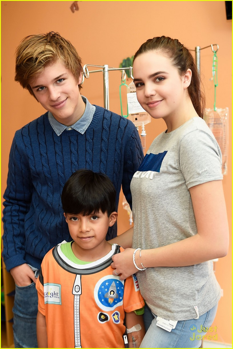 bailee madison alex lange vday hospital visit 03