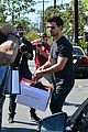 taylor lautner billie lourd shop ahead public memorial 04
