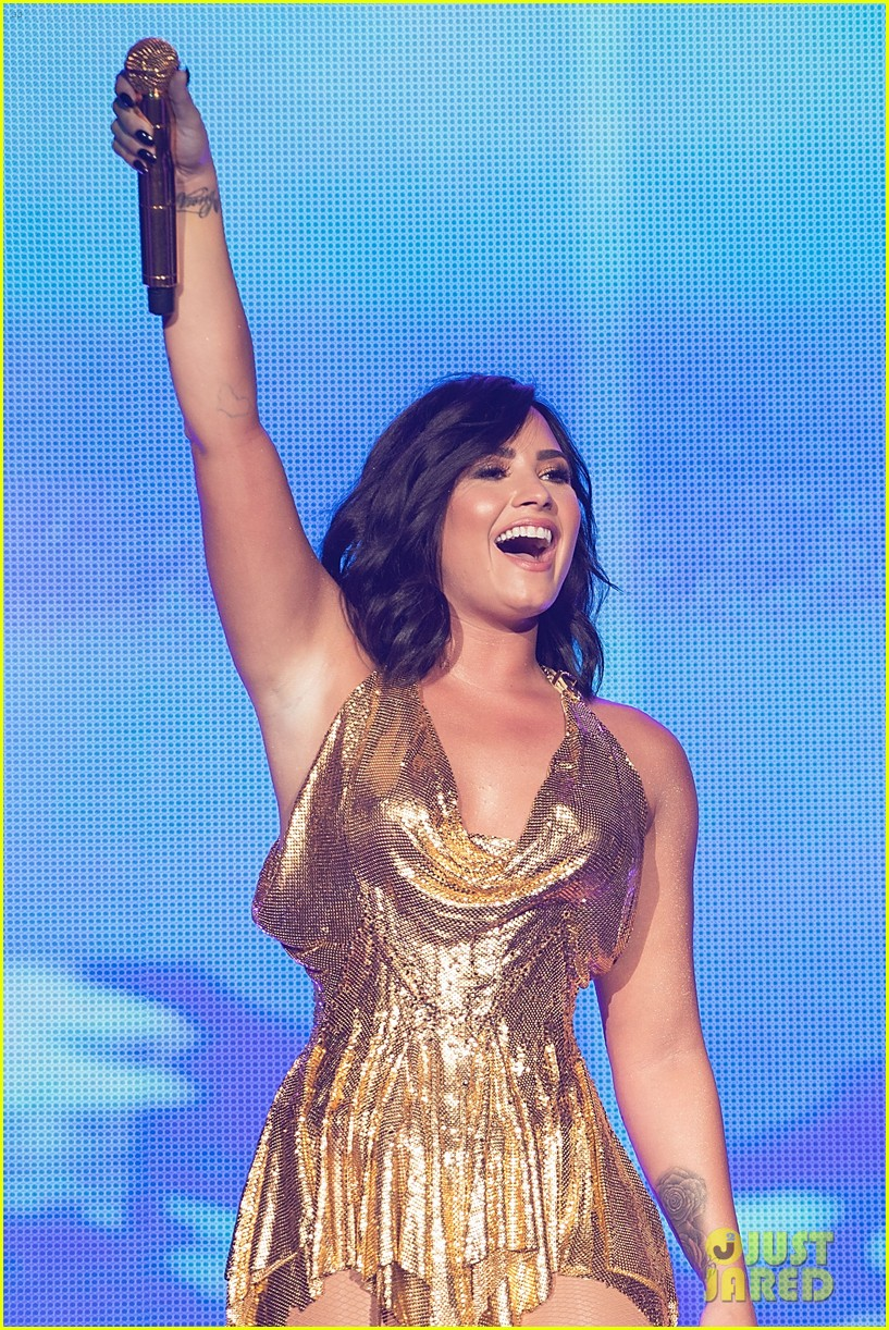 demi lovato performs at beautykind concert for causes in texas 13