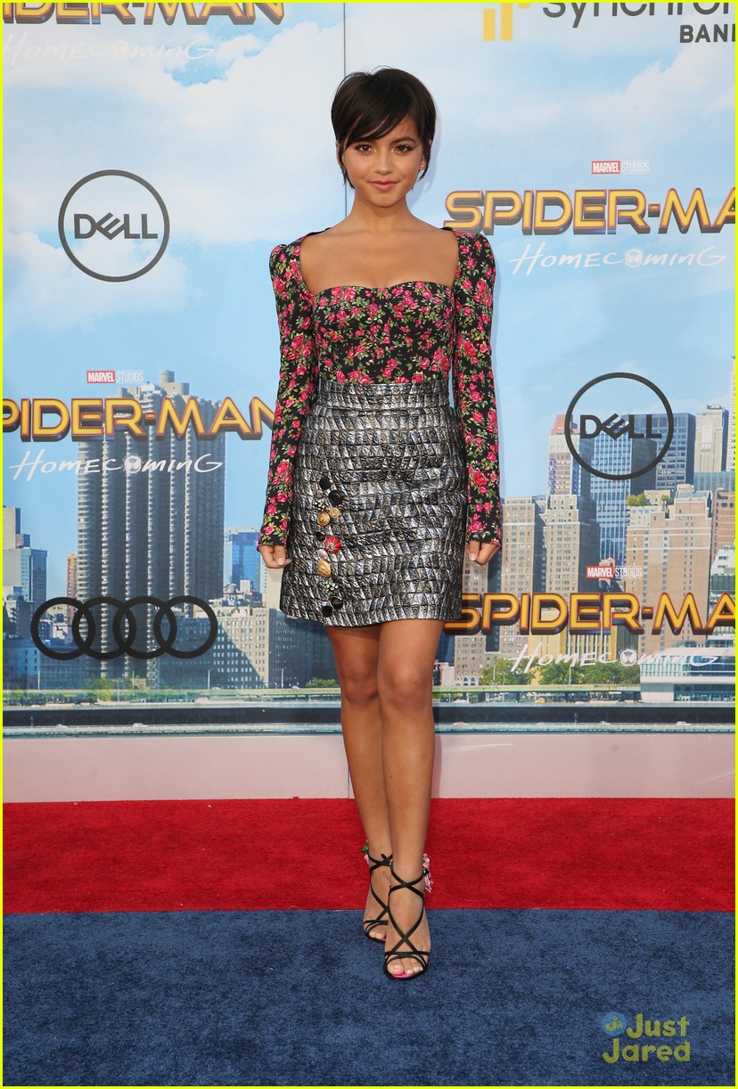 isabela moner jordyn jones social stars spiderman premiere 02
