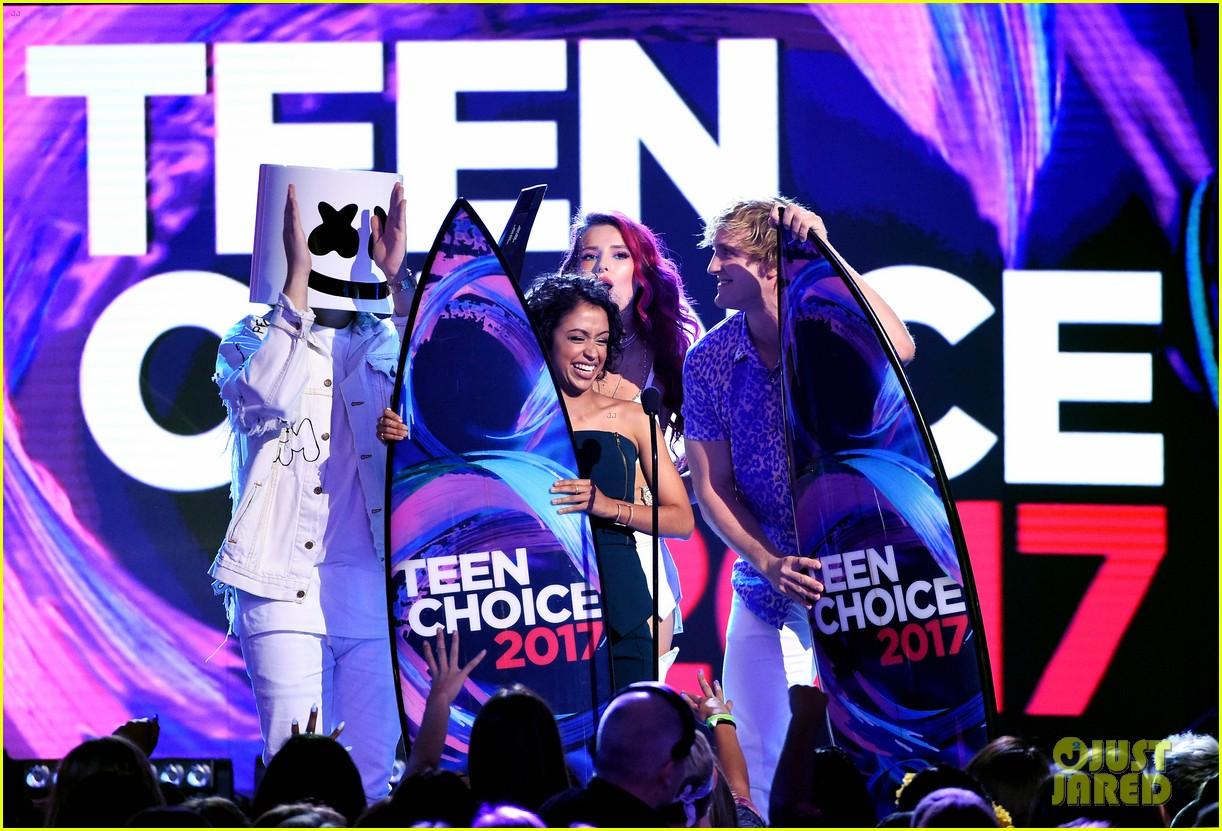 logan paul liza koshy win teen choice awards 2017 13