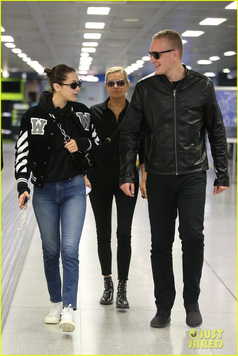 bella hadid and mom yolanda catch flight out of milan after fashion week 03