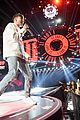 niall horan louis tomlinson take the stage separately at iheartradio music festival 30