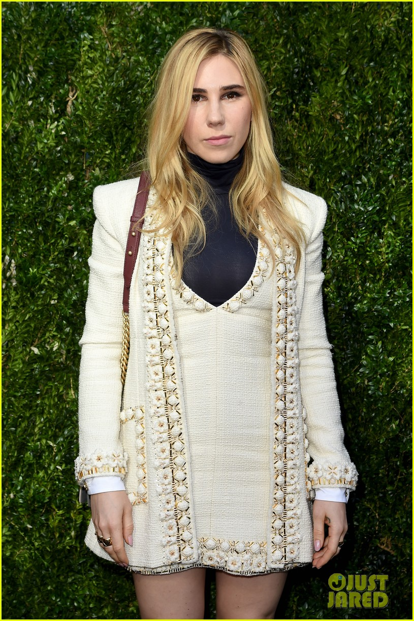 elizabeth olsen dakota fanning tribeca chanel event 11