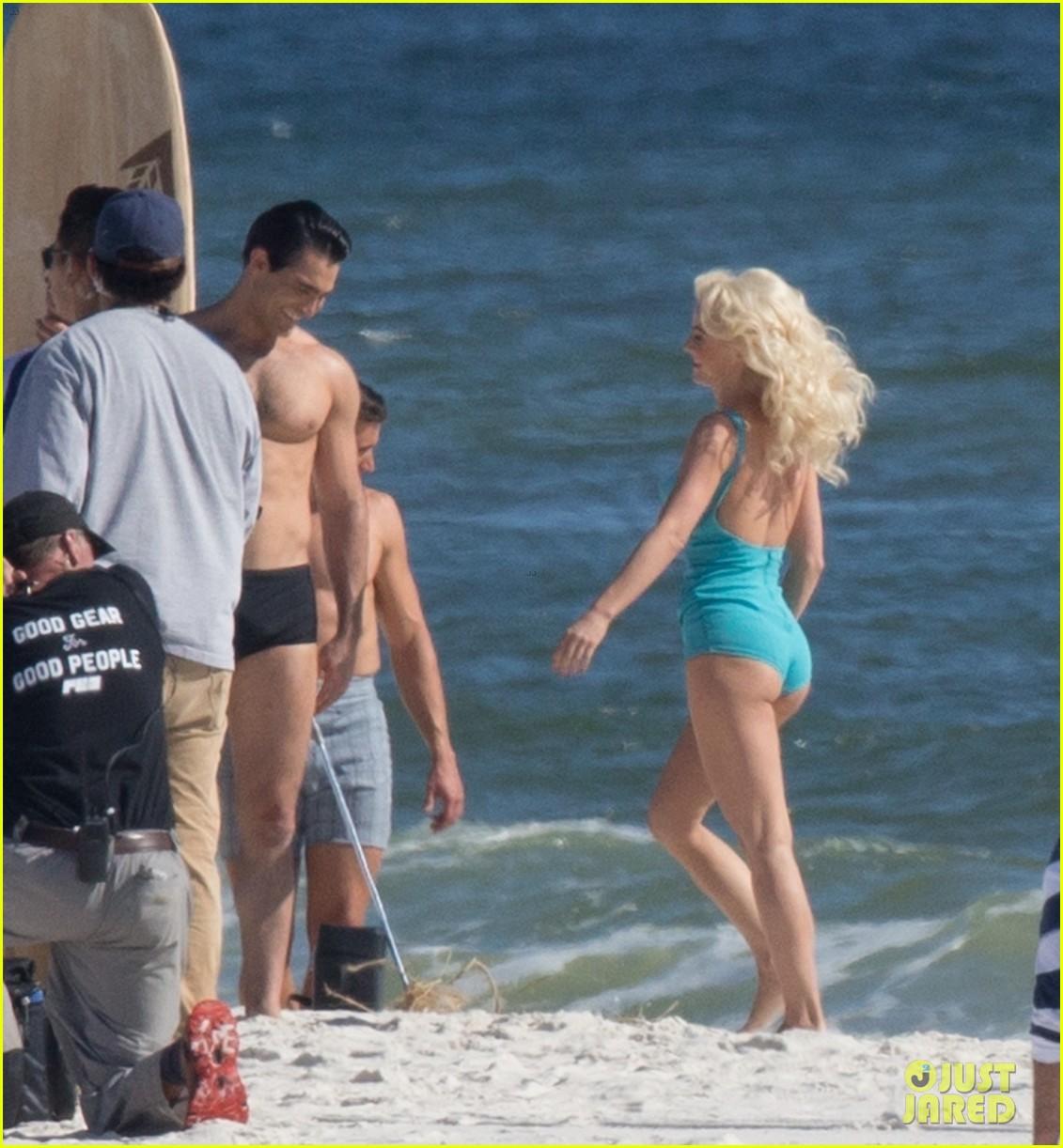 tyler hoechlin wears tiny swimsuit for bigger beach scene julianne hough 39