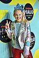 jojo siwa is all about the sequins at the nickelodeon halo awards 2017 01