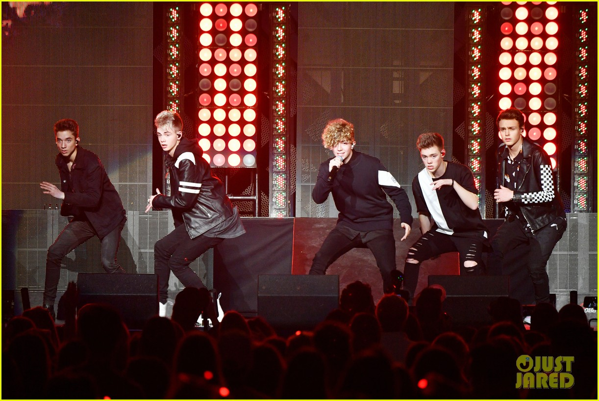 why dont we play madison square garden 09
