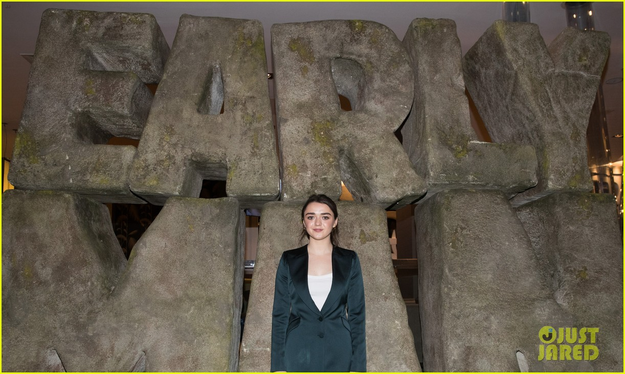 maisie williams early man event 04
