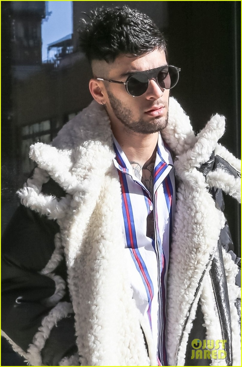 zayn malik steps out after celebraring his birthday in nyc 04