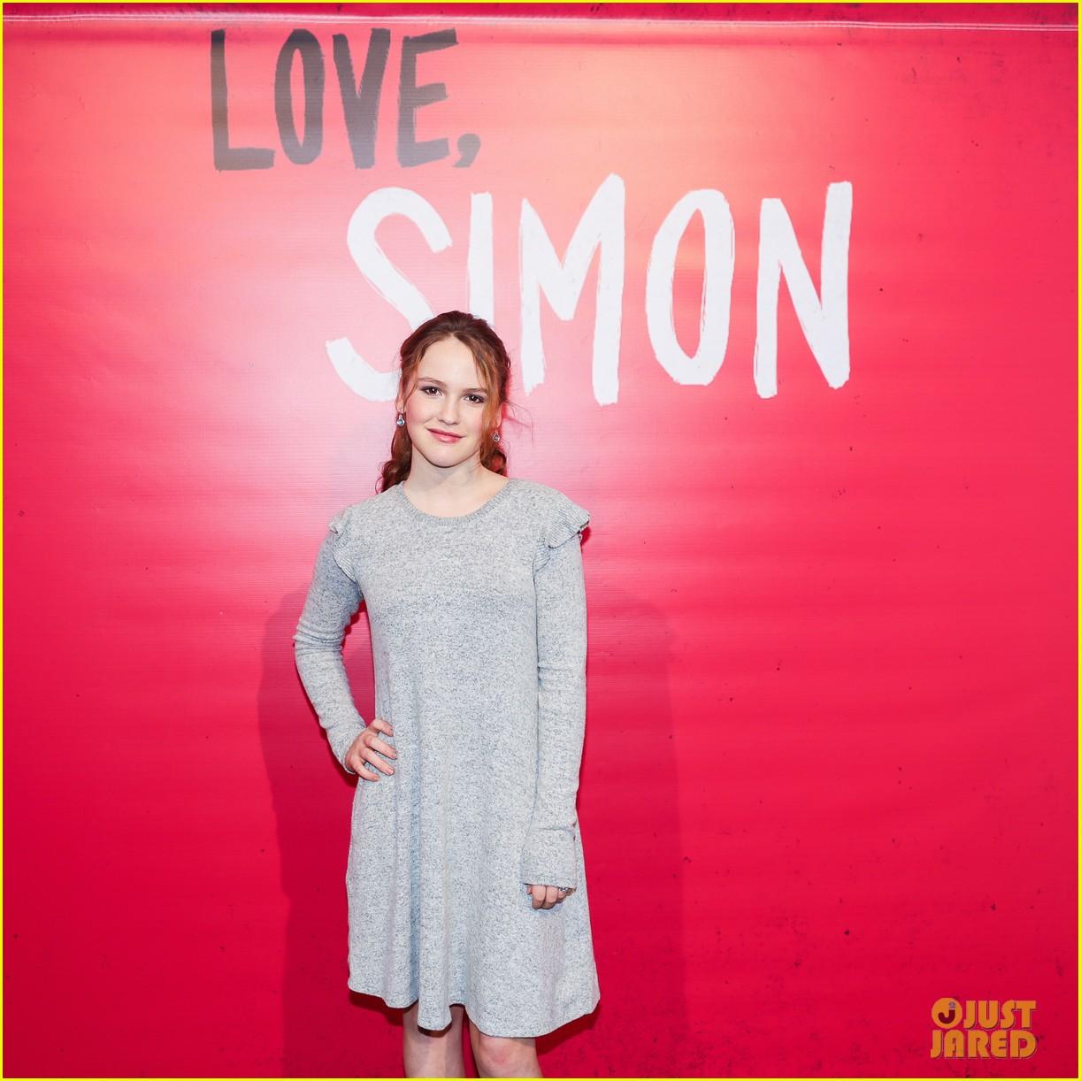 nick robinson greg berlanti love simon movie 04