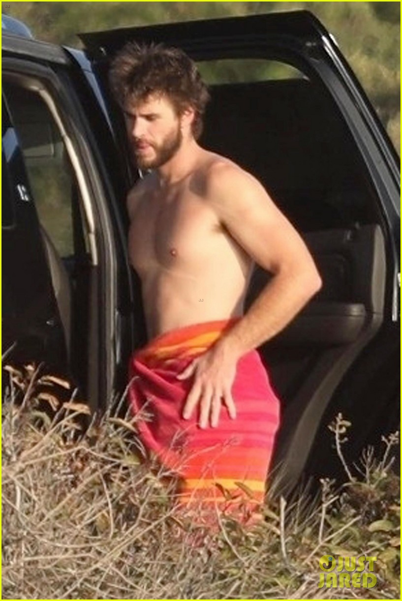 miley cyrus liam hemsworth malibu surfing february 2018 05