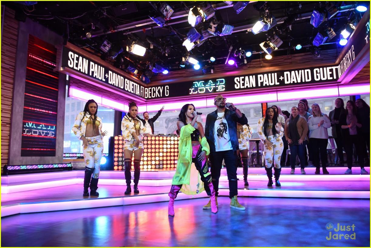 becky g sean paul gma performance pics 13