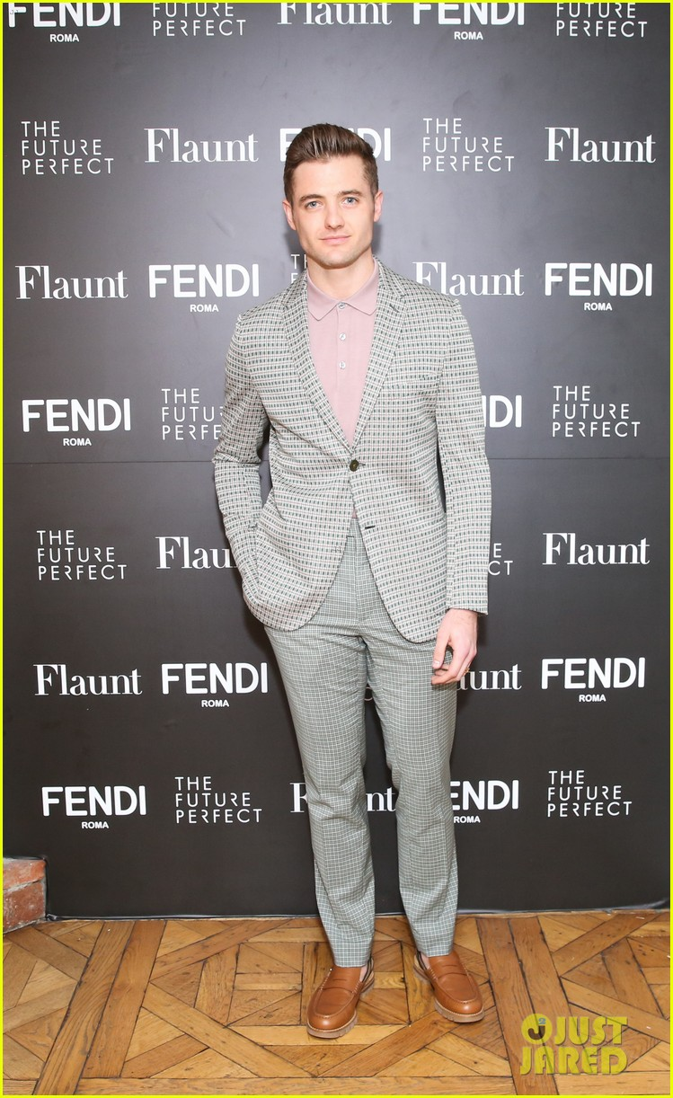 charlie heaton fendi event 08