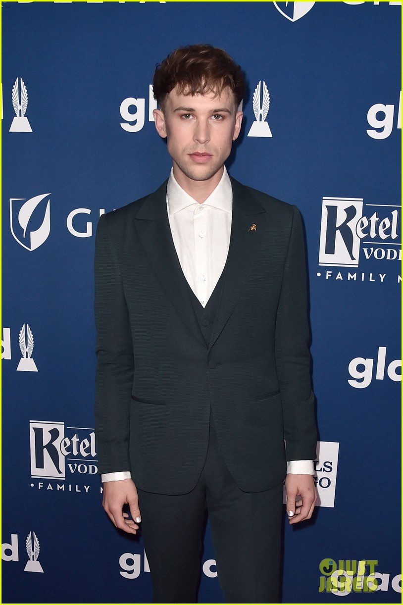 chloe moretz tommy dorfman step out in style for glaad media awards 03