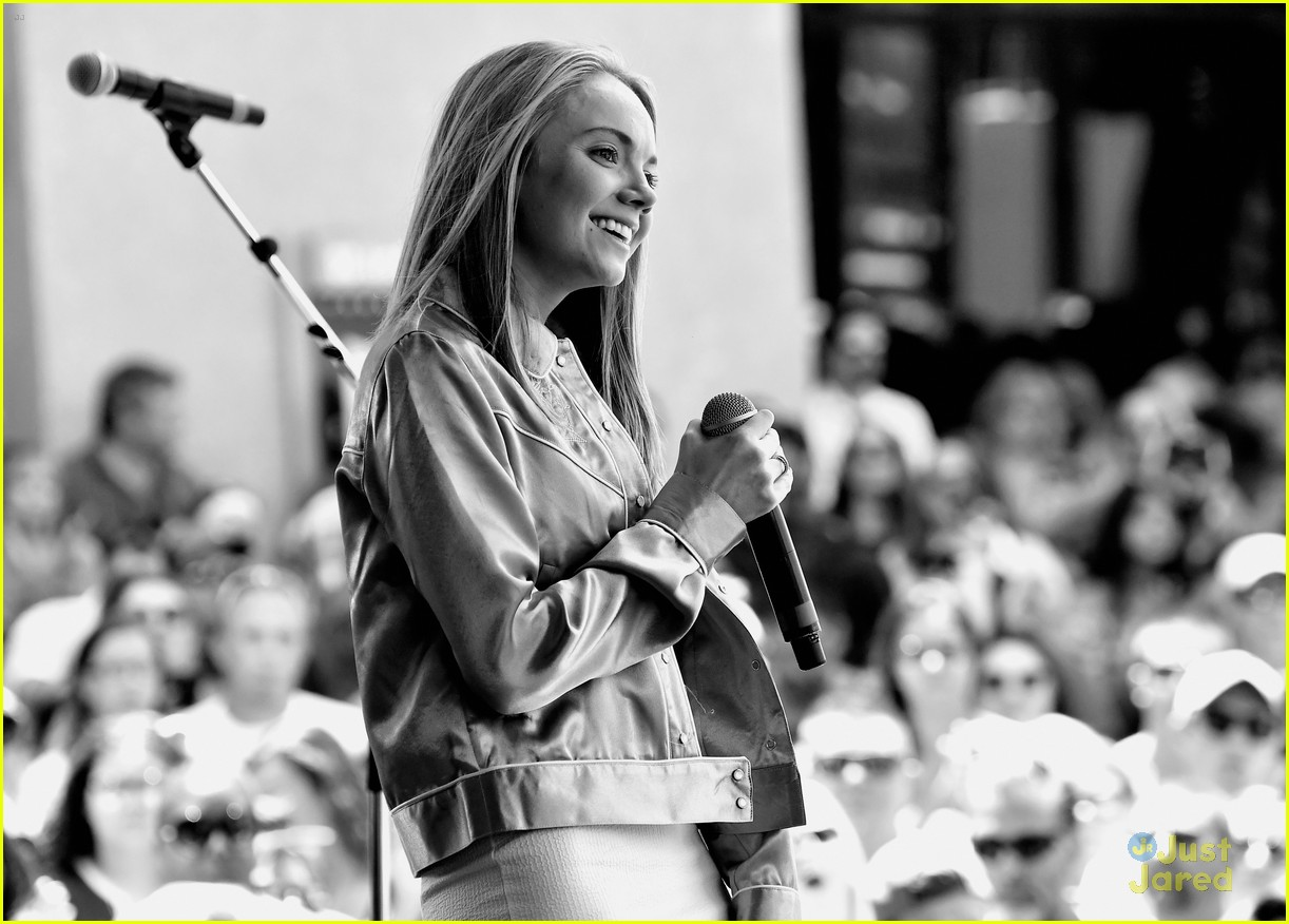 danielle bradbery iheart festival gifted cast worth it collection 17