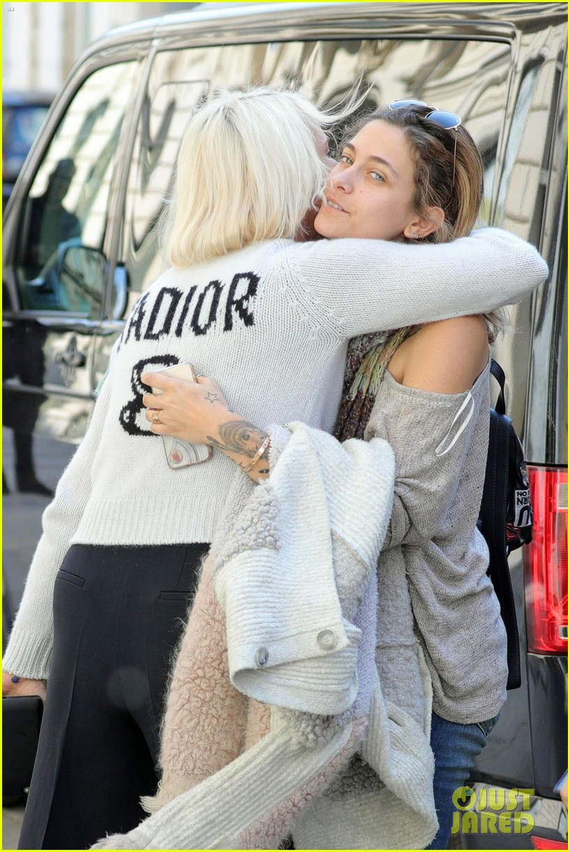 paris jackson shows off her style at the dior hq in paris2 05