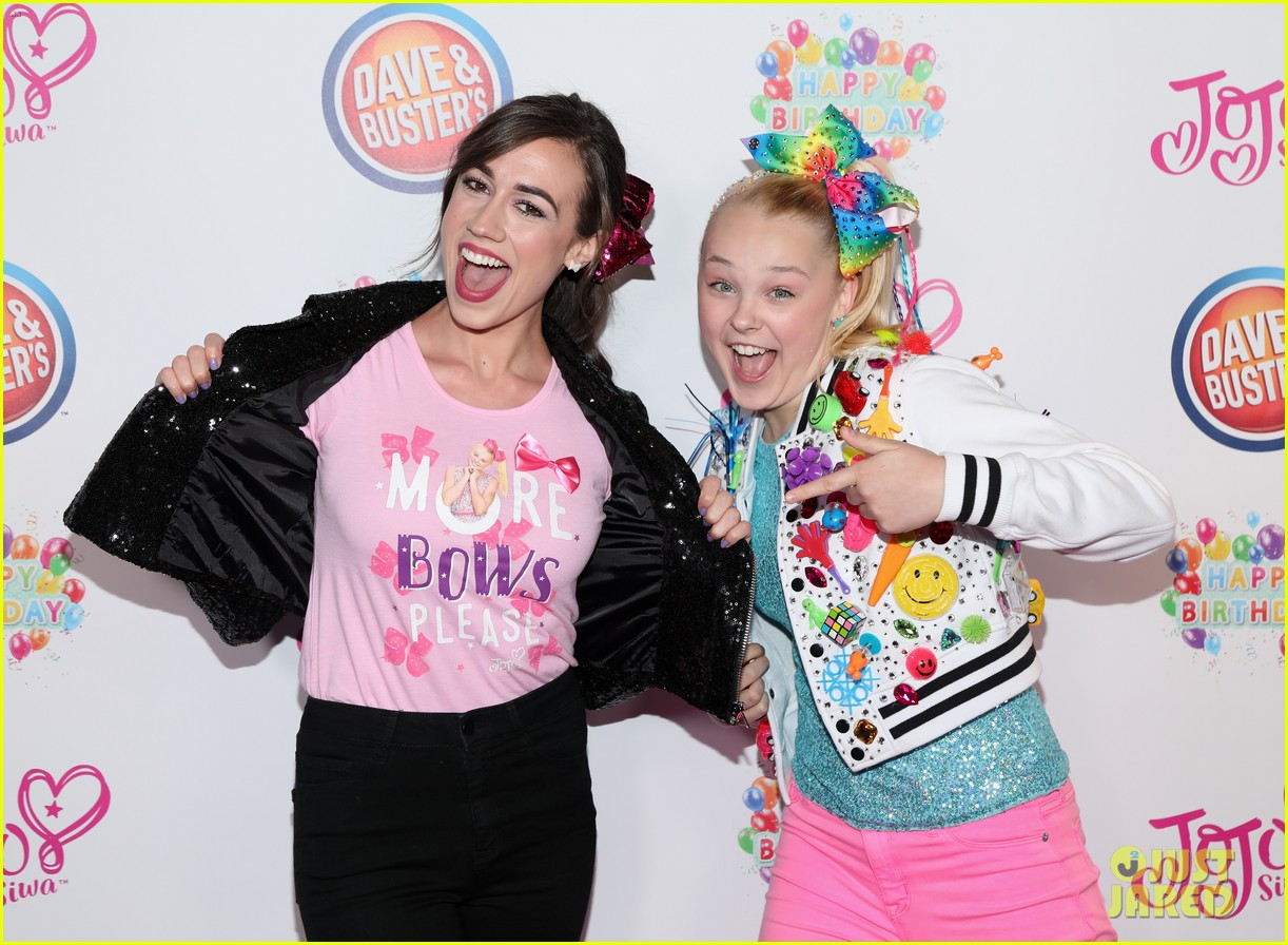 jojo siwa celebrates birthday dave and busters 12