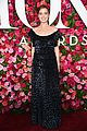 zoey deutch tavi gevinson look so pretty at tony awards 02