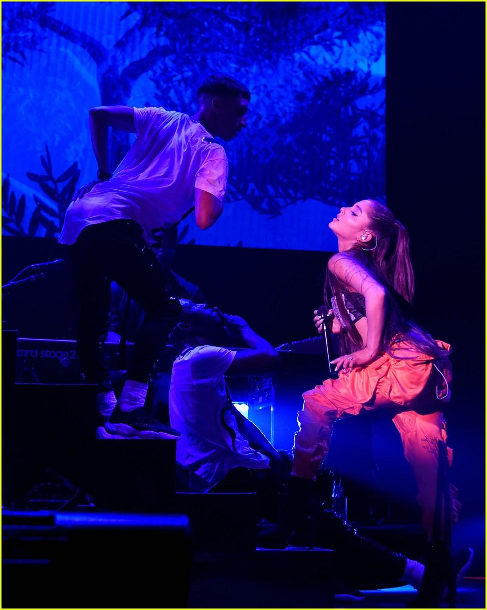ariana grande julia michaels kelsea ballerini amazon prime day 19