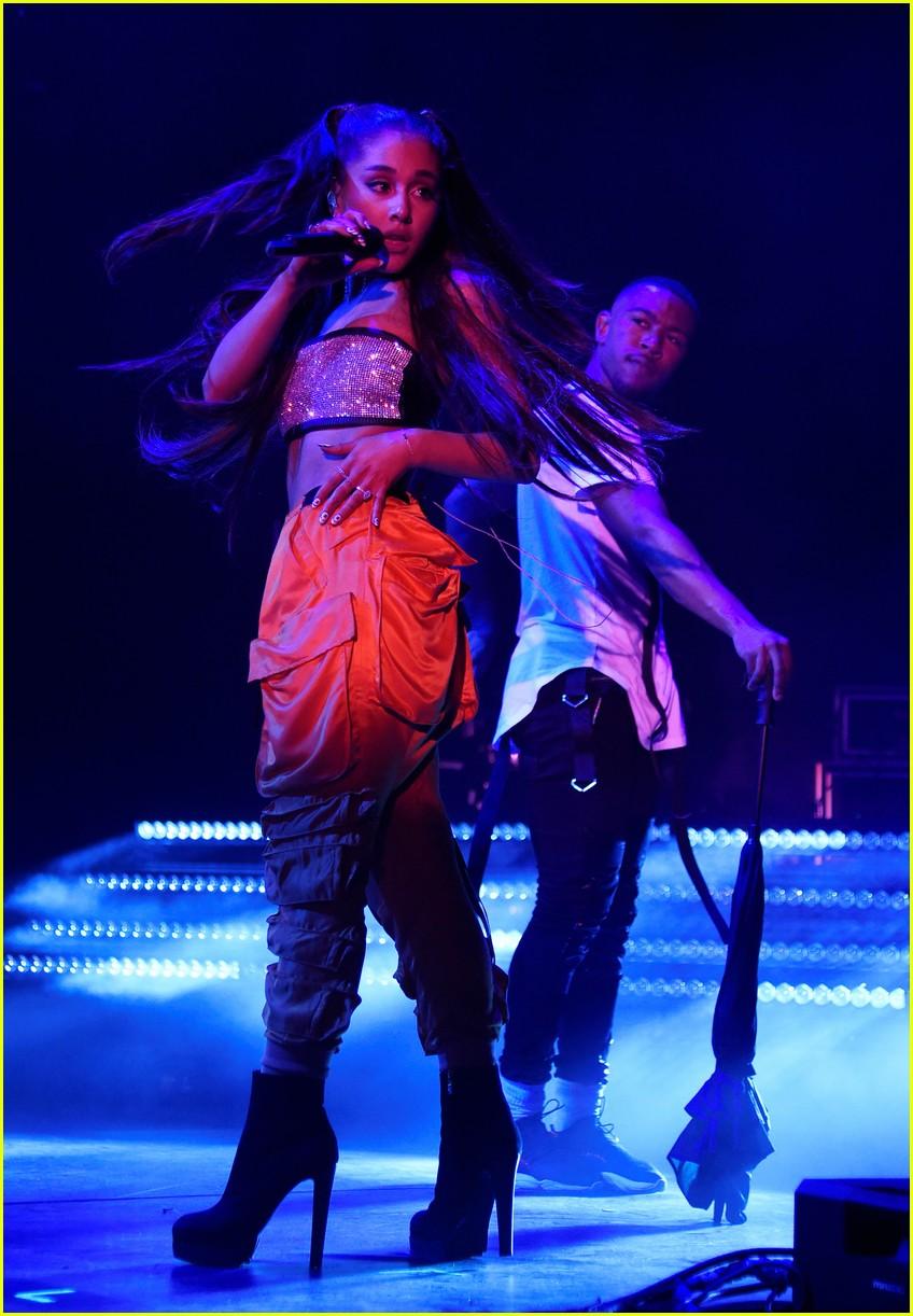 ariana grande julia michaels kelsea ballerini amazon prime day 95