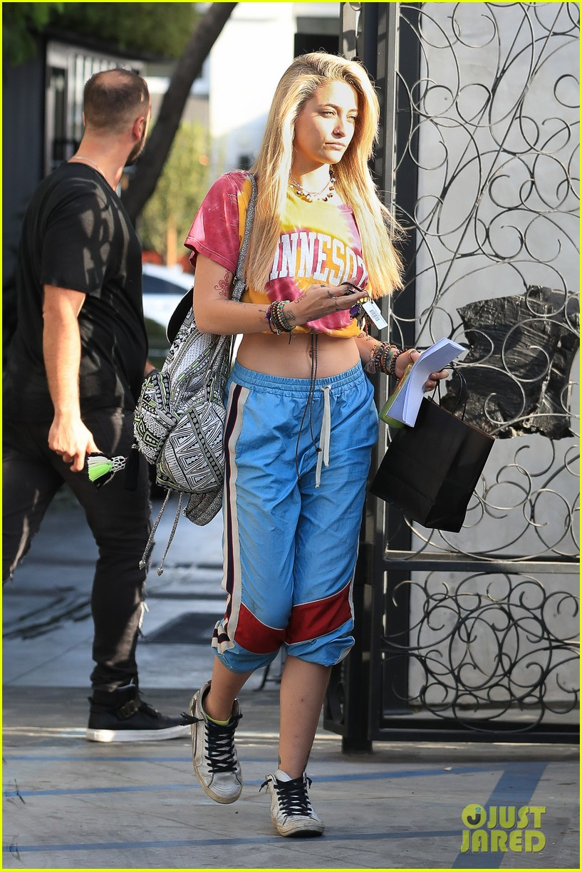 paris jackson debuts new blonde hairdo see the pics 05