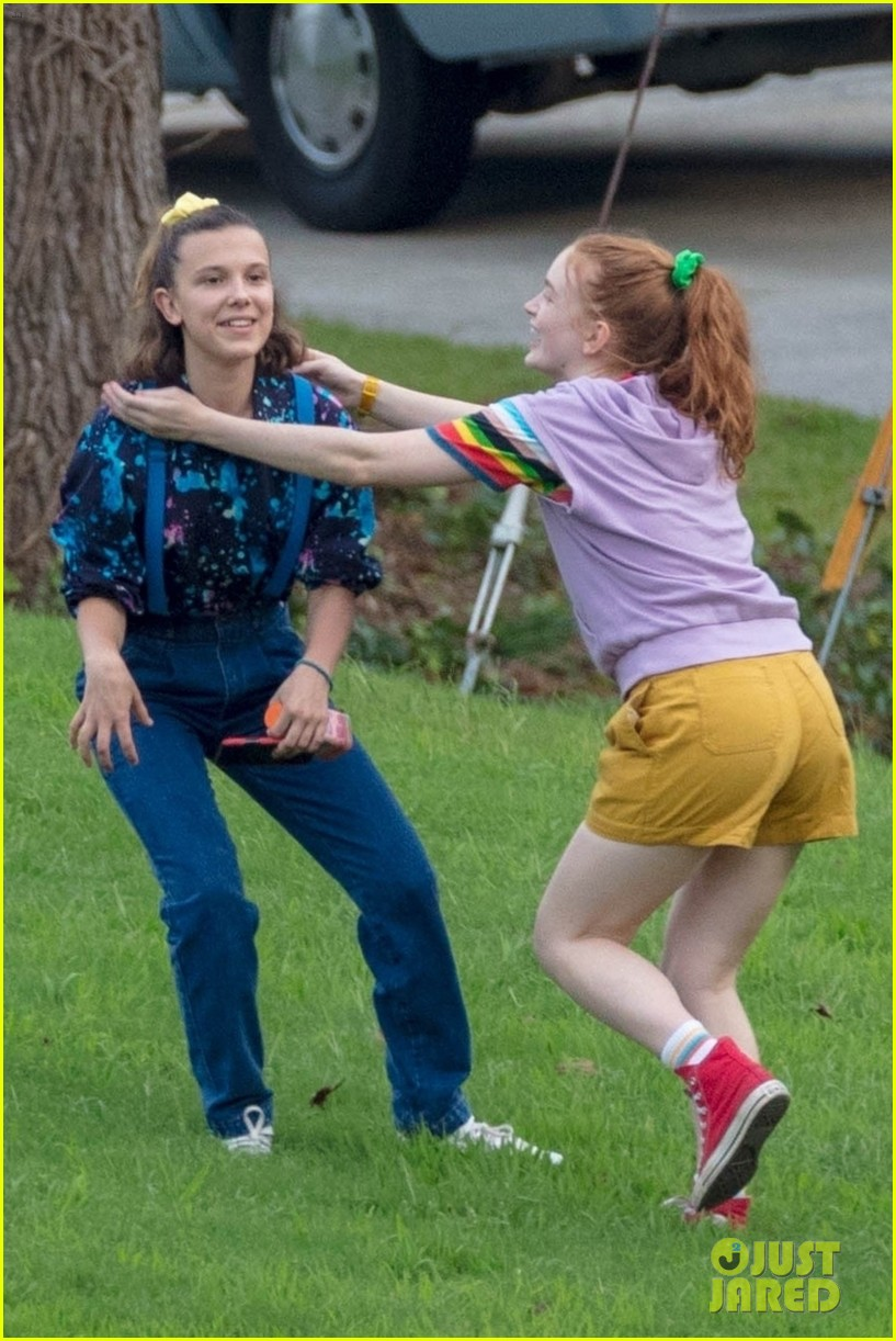 stranger things set photos millie bobby brown 13