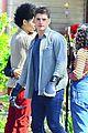 gregg sulkin uses his superpower gloves on runaways set 17