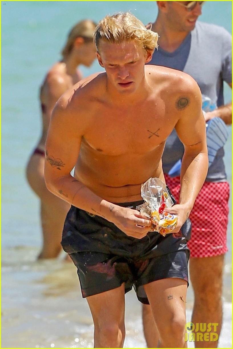 cody simpson hits the beach with girlfriend clair wuestenberg 43