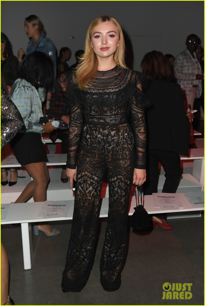 ashley tisdale lucy hale laura marano more watch naeem khan nyfw show 03
