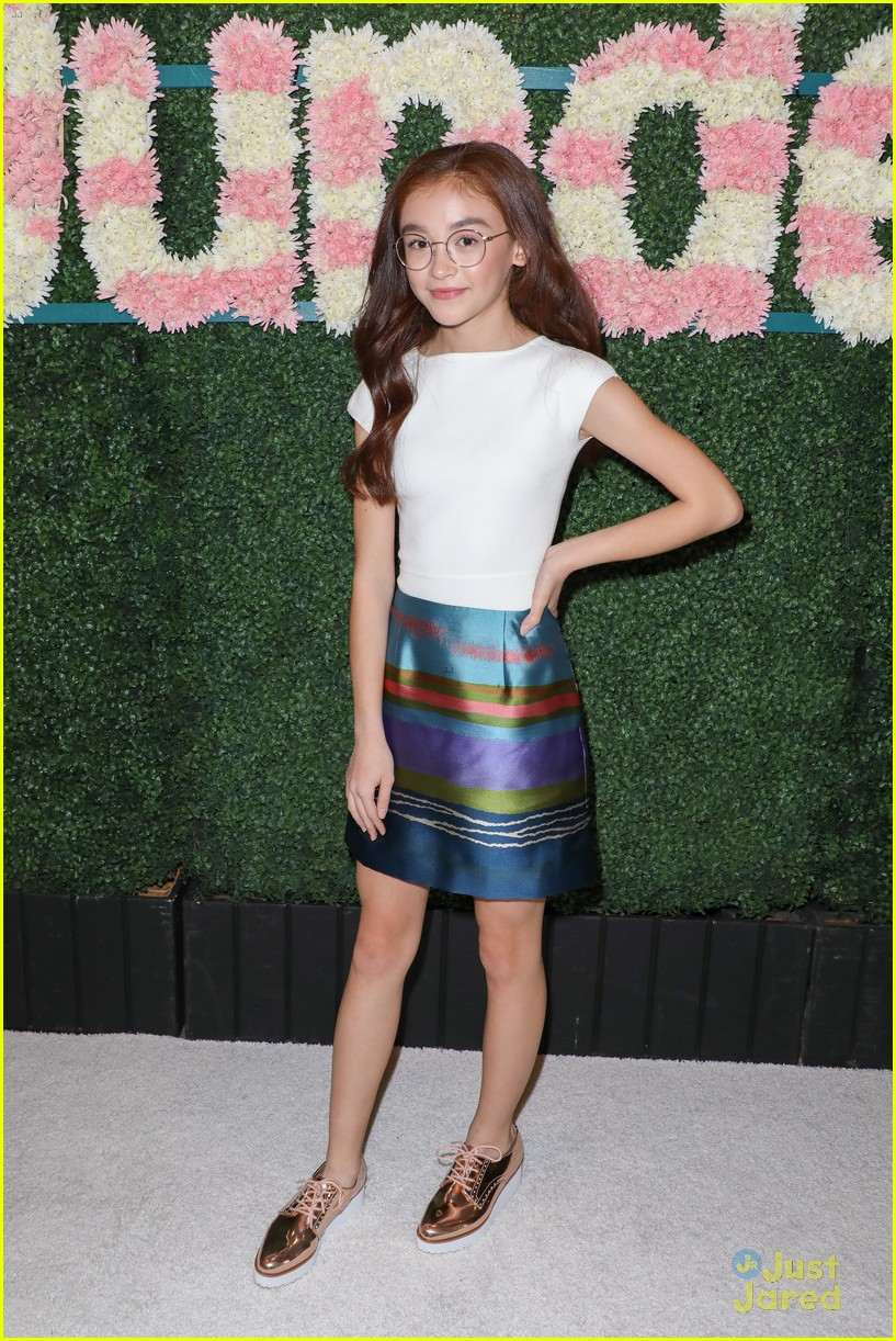 anna cathcart nia sioux baby ariel more tigerbeat 19 event 05