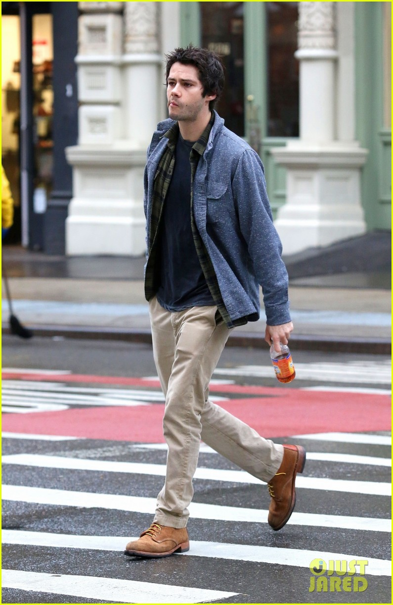 dylan obrien walks around soho 09